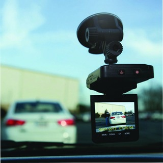 ama Plug N Go Drive 1 Portable In-Car Dashcam PNGD